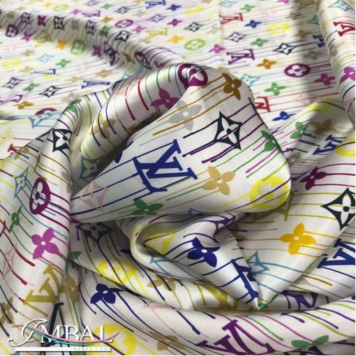 Шелк атласный принт Louis Vuitton цветные символы на молочном фоне