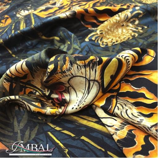 Шелк атласный принт Dsquare2 тигры в зарослях