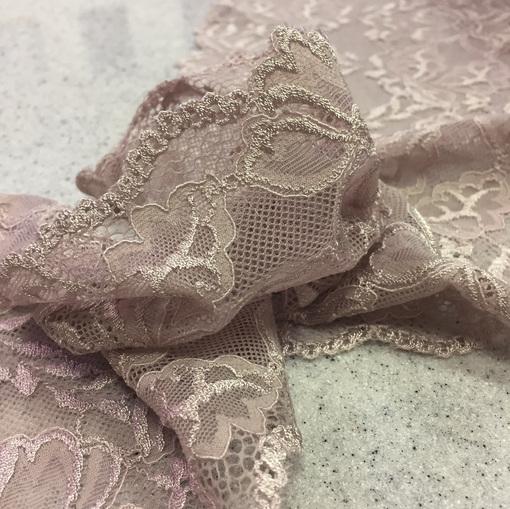 Кружево узкое стрейч пыльно-розового цвета