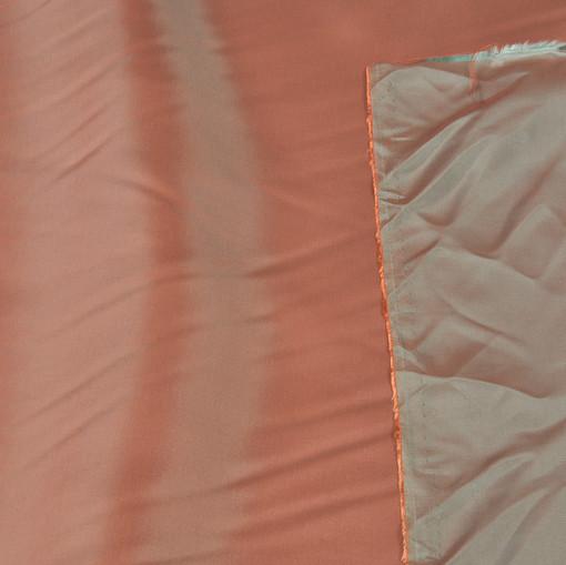 Вискозный подклад цвета хамелеон красно-зеленый