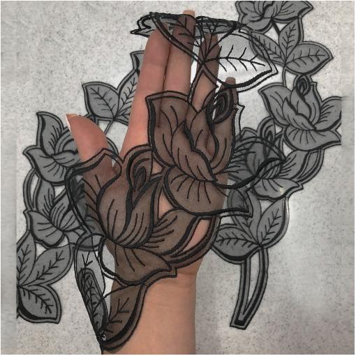 Кружево хлопковая вышивка на капроне цветочная ветвь черного / белого цвета