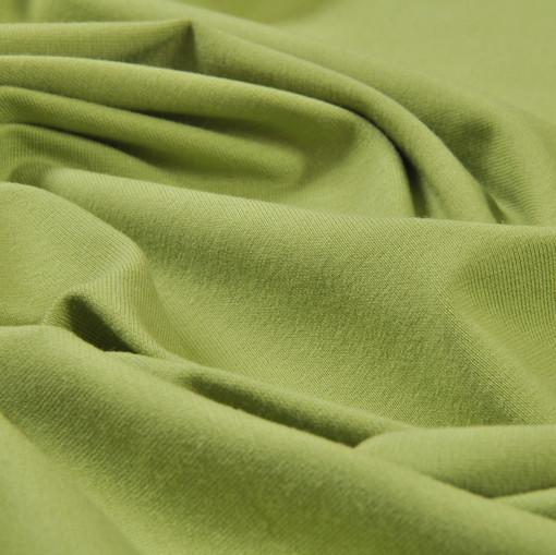 Трикотаж из вискозного волокна цвета июньской листвы