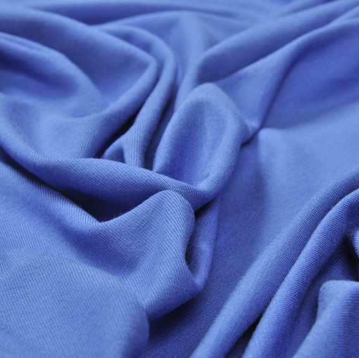 Трикотаж из вискозы насыщенного сине-фиолетового цвета