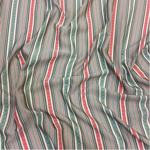 Подкладка вискозная жаккардовая красно-зеленого цвета этнический орнамент