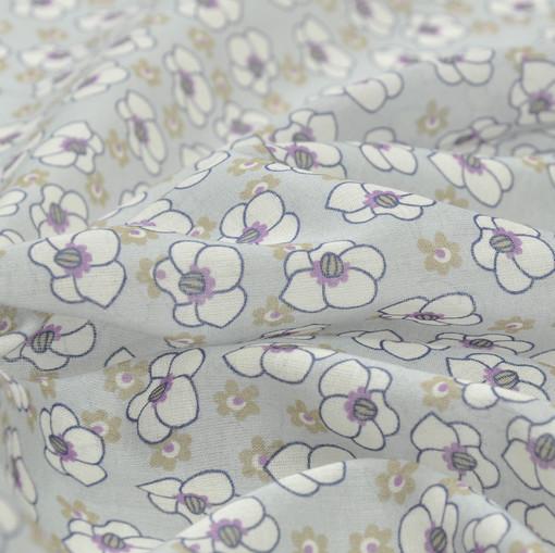 Батист светло-серого цвета в мелкий белый цветочек