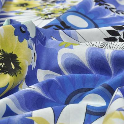 Батист белый в крупные васильковые цветы и салатовые букетики