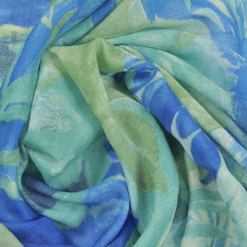 Батист зеленый с синим рисунком