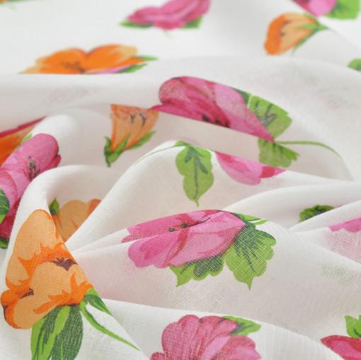 Вискоза блузочная с диагональным плетением, белого цвета с оранжевыми и розовыми цветами