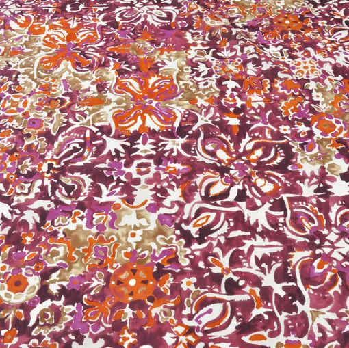 Вискоза плательно-блузочная с акварельным абстрактным рисунком в бордовых, оранжевых и белых тонах