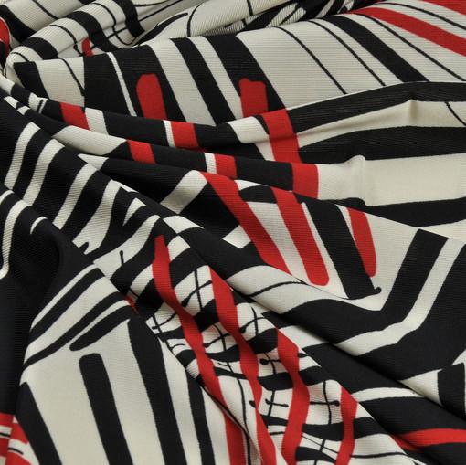 Вискозный трикотаж с черно-красными лучами