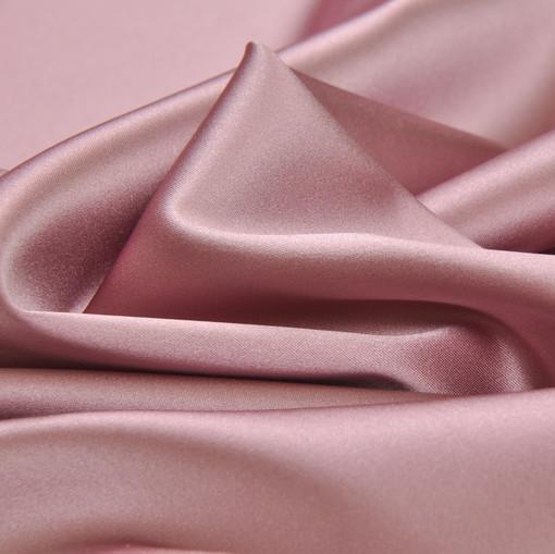 Атлас стрейч темно-розового цвета