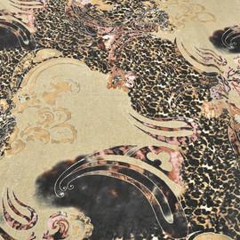 Вискоза жоржетная с рисунком в виде леопарда и цветов в бежевых,черных и розовых тонах