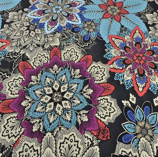 Вискоза стрейч с яркими цветами на черном фоне