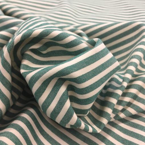 Хлопок плотный мягкий зеленые поперечные полосы