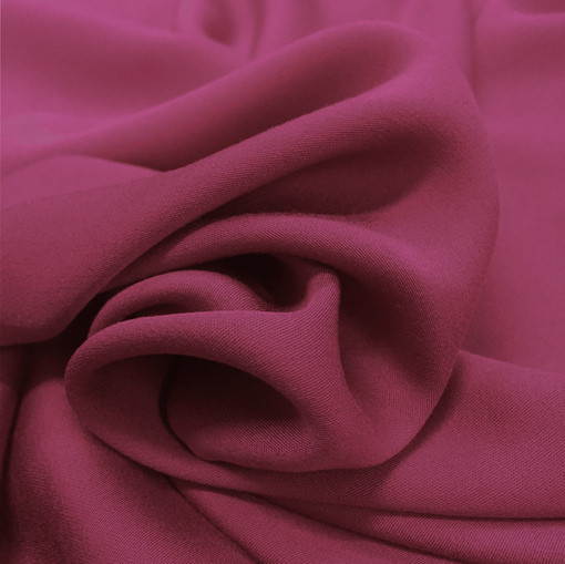 Вискоза плательная мягкая цвета приглушённая фуксия