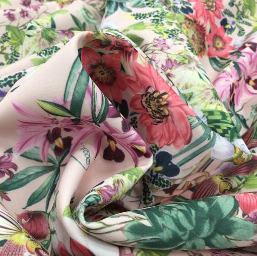 Скуба неопрен принт цветы на розовом фоне