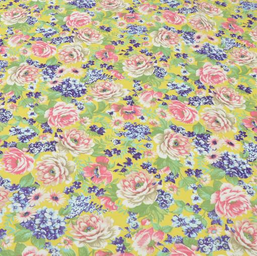 Вискоза непрозрачная на желтом фоне розовые и голубые цветы