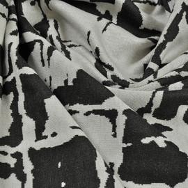 Черно-белое джерси с квадратами среднего размера