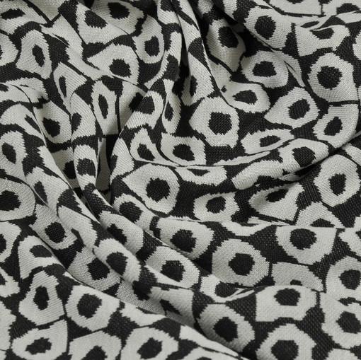 Джерси вискозное с черно-белым орнаментом