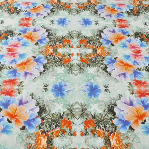 Костюмный хлопок стрейч с цветами голубого и оранжевого цвета