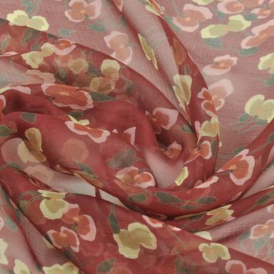 Крешированный шифон рубинового цвета с цветочным рисунком