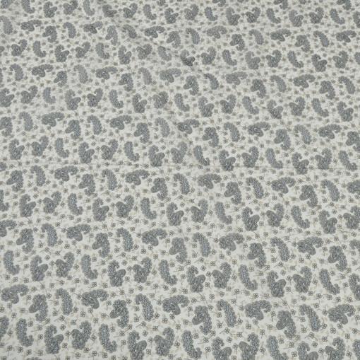 Полупрозрачный белый муслин с мелкими серыми огурцами