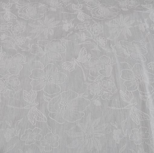 Муслин белый с рисунком в виде бабочек и цветов