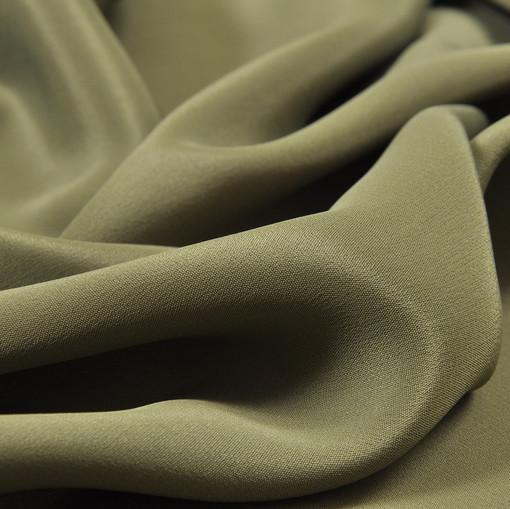 Крепдешин смесовый болотного цвета