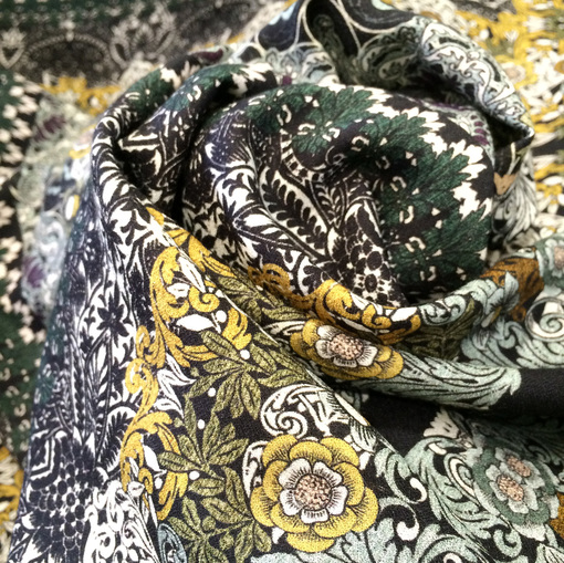 Вискоза креп плательная принт бирюзовые платки