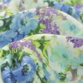 Вискоза блузочно-плательная с салатовым рисунком