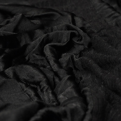 Черный купонный трикотаж для платья с воланами