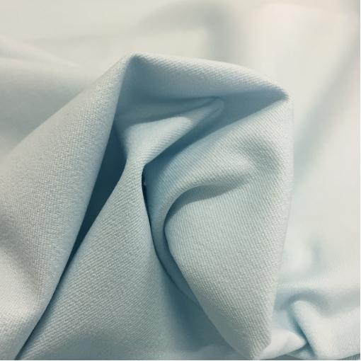 Джинса хлопковая стрейч бледно-голубого цвета
