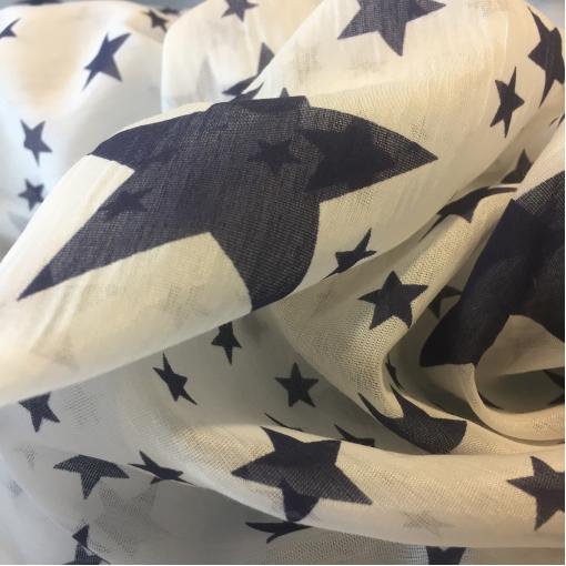 Муслин хлопок с шелком принт синие звезды на молочном фоне