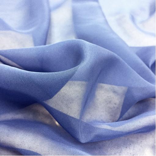Шелк шифон фиалково-голубого цвета