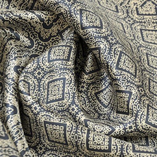 Шелк матовый черно-синий с бежевым орнаментом