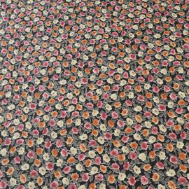 Крешированный муслин с мелким цветочным рисунком в красно-серых тонах