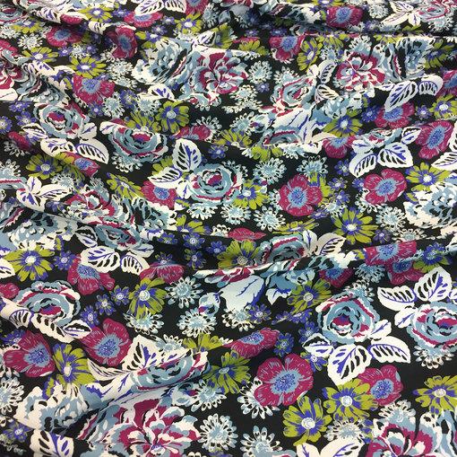 Вискоза плательная мягкая D&G цветы на черном фоне
