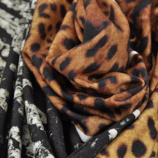 Вискозный трикотаж купон коричневый леопард в сочетании с бриллиантами