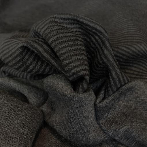 Трикотаж вискозный плотный в темно-серую полоску