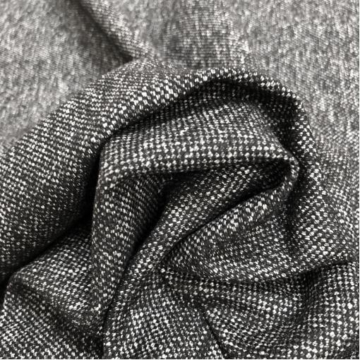 Твид костюмный шерстяной мелкие серые вкрапления на черном фоне
