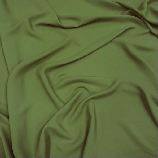 Шелк креповый смесовый цвета молодой зелени