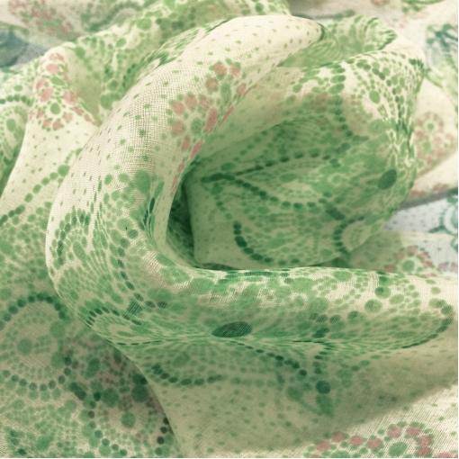 Шелк шифон орнамент нежно-зеленого цвета
