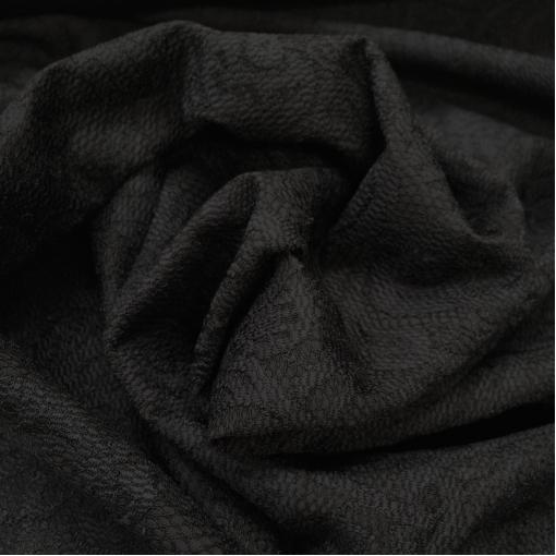 Вискоза плательная би-стрейч фактурная черного цвета