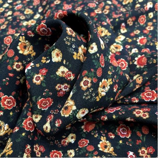 Вискоза плательная креповая Prada мелкие цветочки на темном фоне