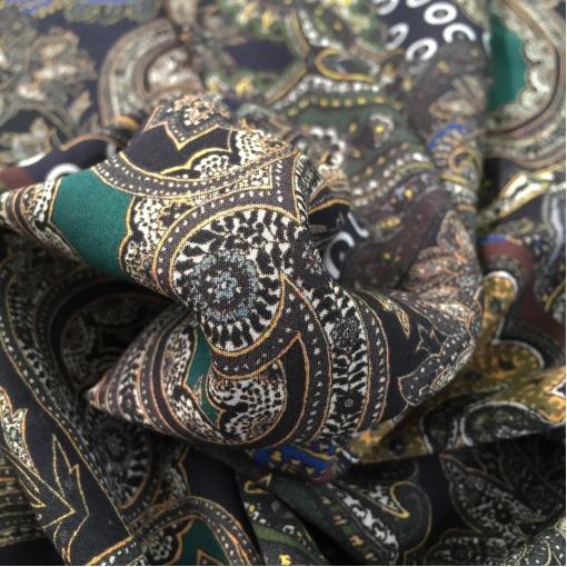 Вискоза плательная мягкая ETRO огурцы и вензеля на зеленом фоне