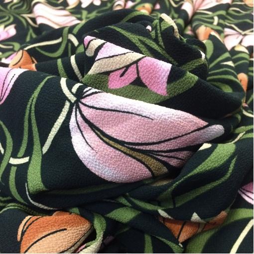 Вискоза плательная креповая принт Blumarine тюльпаны на черном фоне