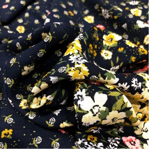 Вискоза плательная мягкая принт Prada продольный купон мелкие цветочки