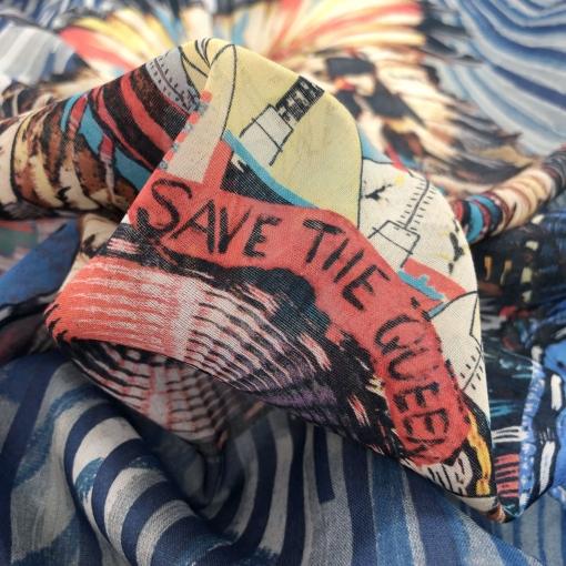 Вискоза плательная стрейч принт Save the Queen купон с перьями на полосатом фоне