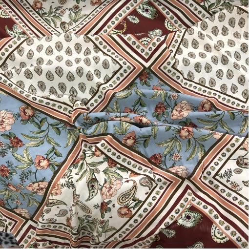 Вискоза плательная принт ETRO пэчворк платки 30х30 см в молочно-голубых тонах