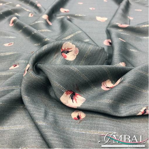 Вискоза мягкая полупрозрачная приглушённого серого цвета с цветочками и люрексовыми нитями